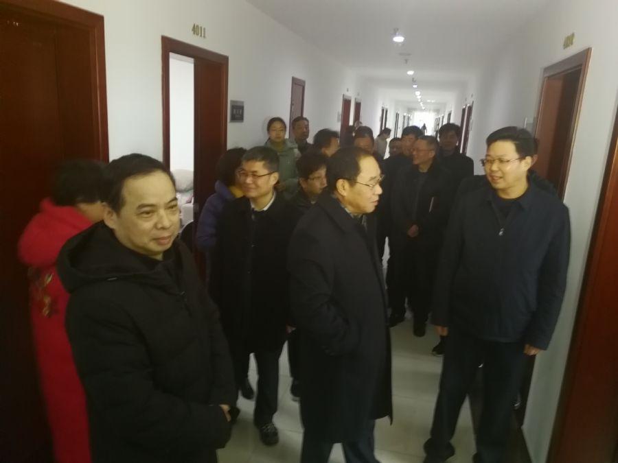 市政协主席章松一行走访慰问党派机关