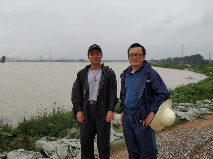 闻令而动,安庆市民盟盟员志愿者奔赴抗洪第一线