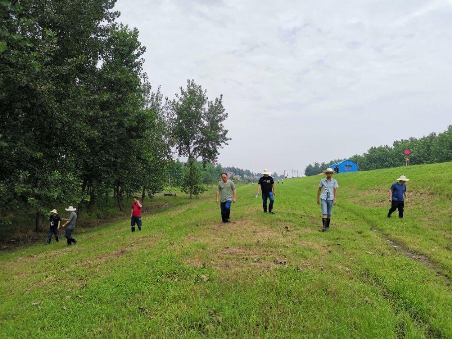 民盟安庆医专支部盟员积极参与市防汛工作